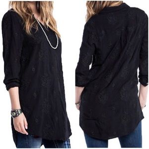 MISS ME floral formation shirt / tunic black